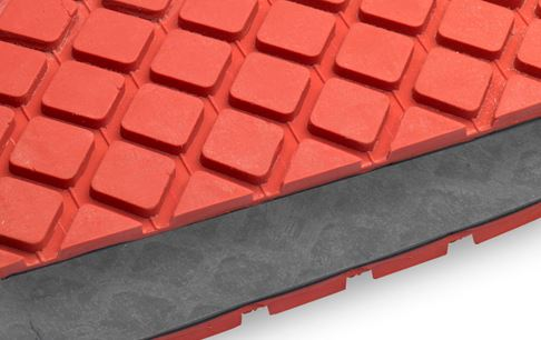 Non-slip coating mini square 8 mm red